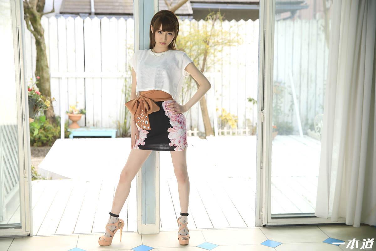 モデルコレクション 愛沢かりん