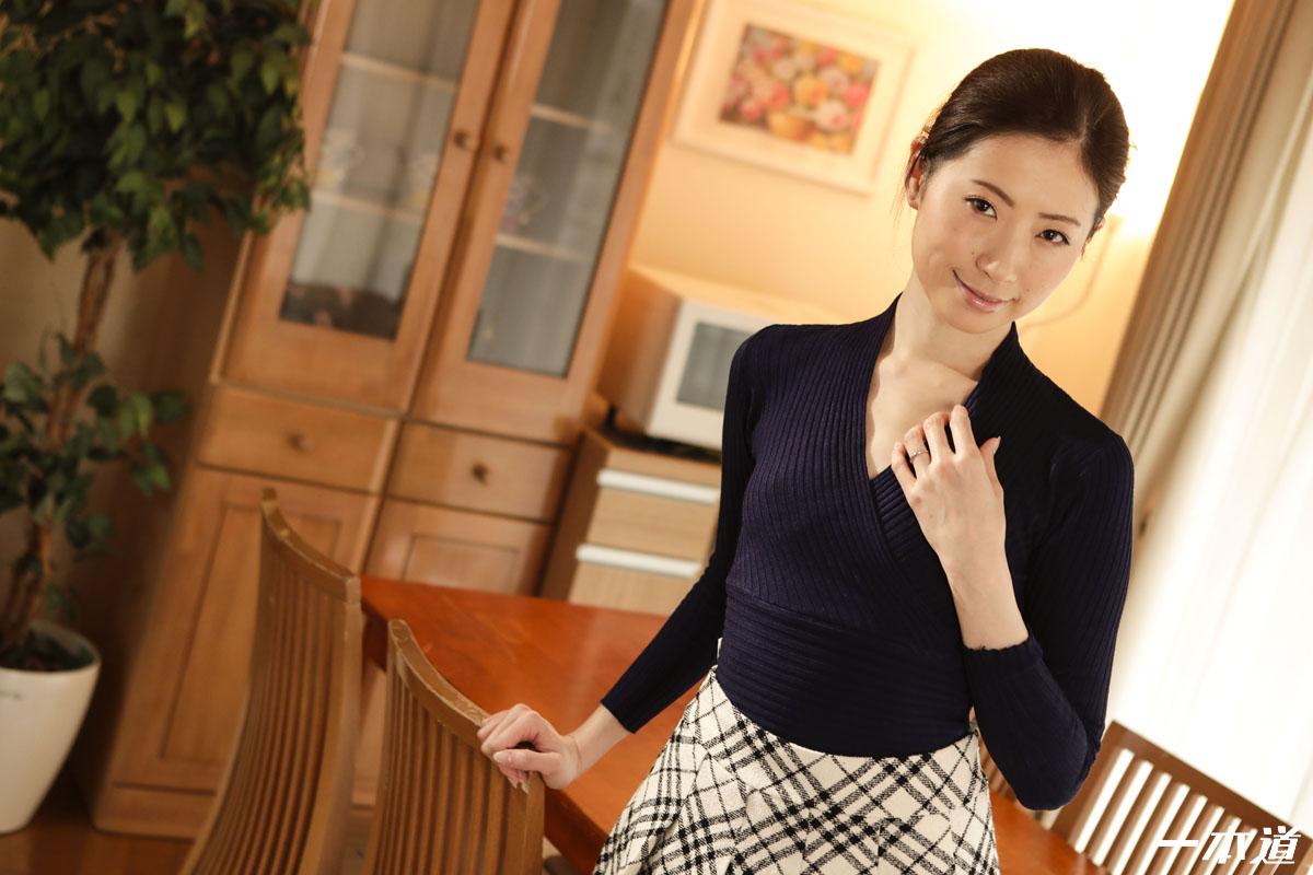 一本道・まんチラの誘惑 〜エロくて可愛い奥さんとコスプレ〜・新城由衣・139331