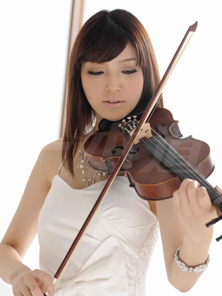 裸演奏 ~第3回演奏会・バイオリン~