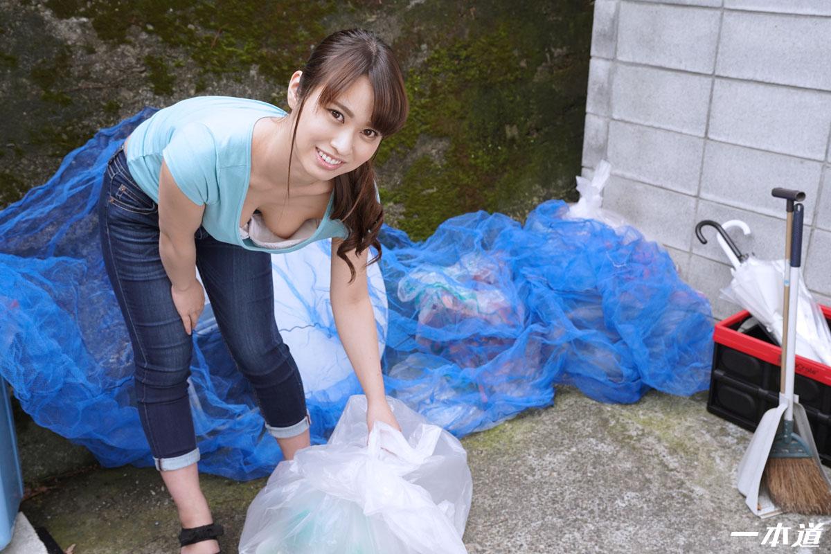 一本道・朝ゴミ出しする近所の遊び好き隣のノーブラ奥さん 速美もな・速美もな・140529