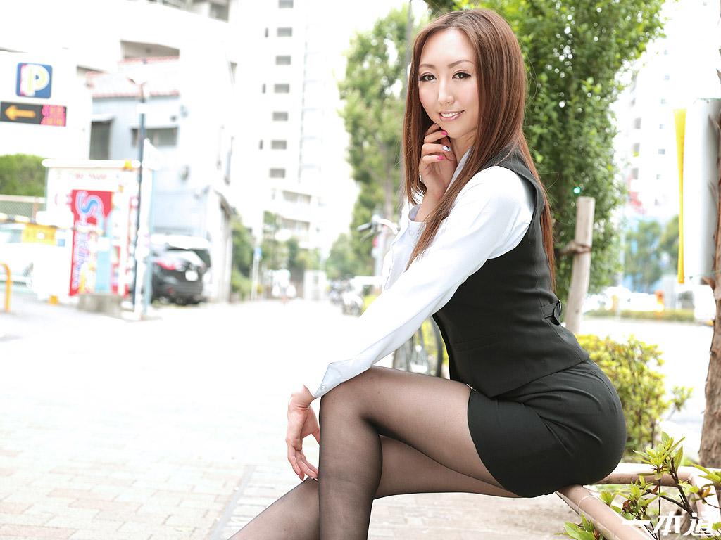 働きウーマン ~残業中の密室淫乱マッサージ~