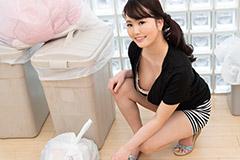 朝ゴミ出しする近所の遊び好きノーブラ奥さん 花守みらい
